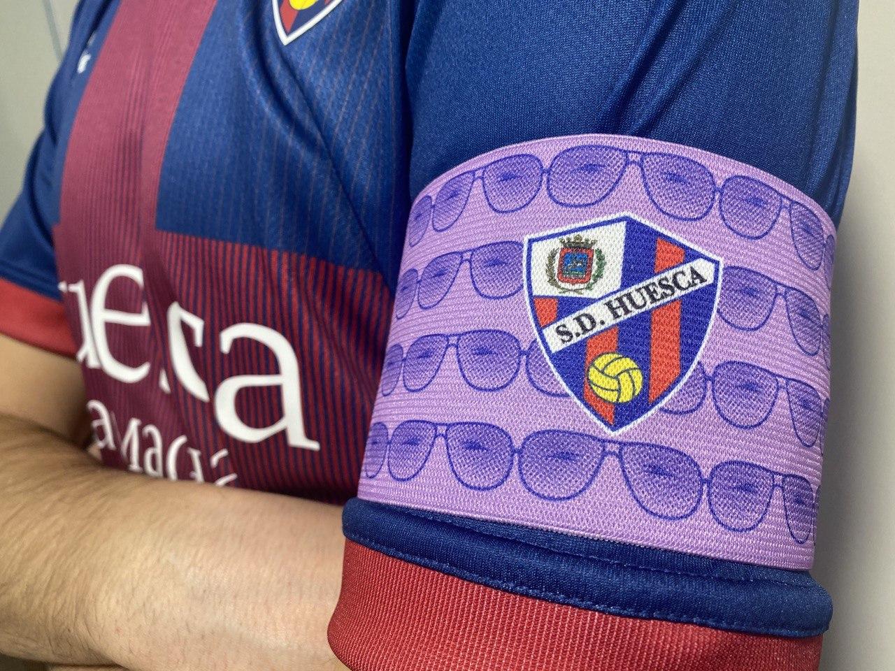 Brazalete SD Huesca vs Real Valladolid CF