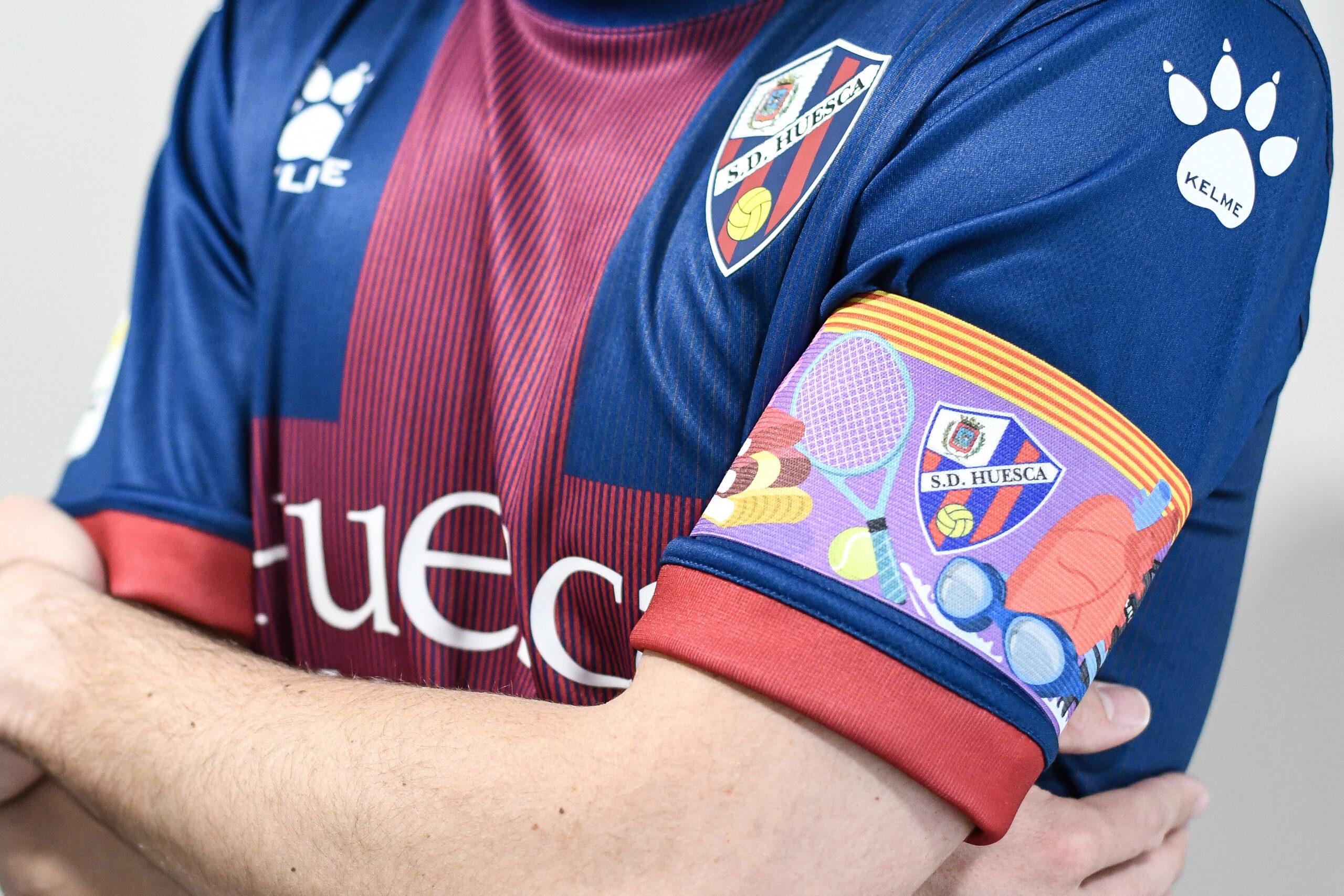 Brazalete especial 8M – SD Huesca vs RC Celta