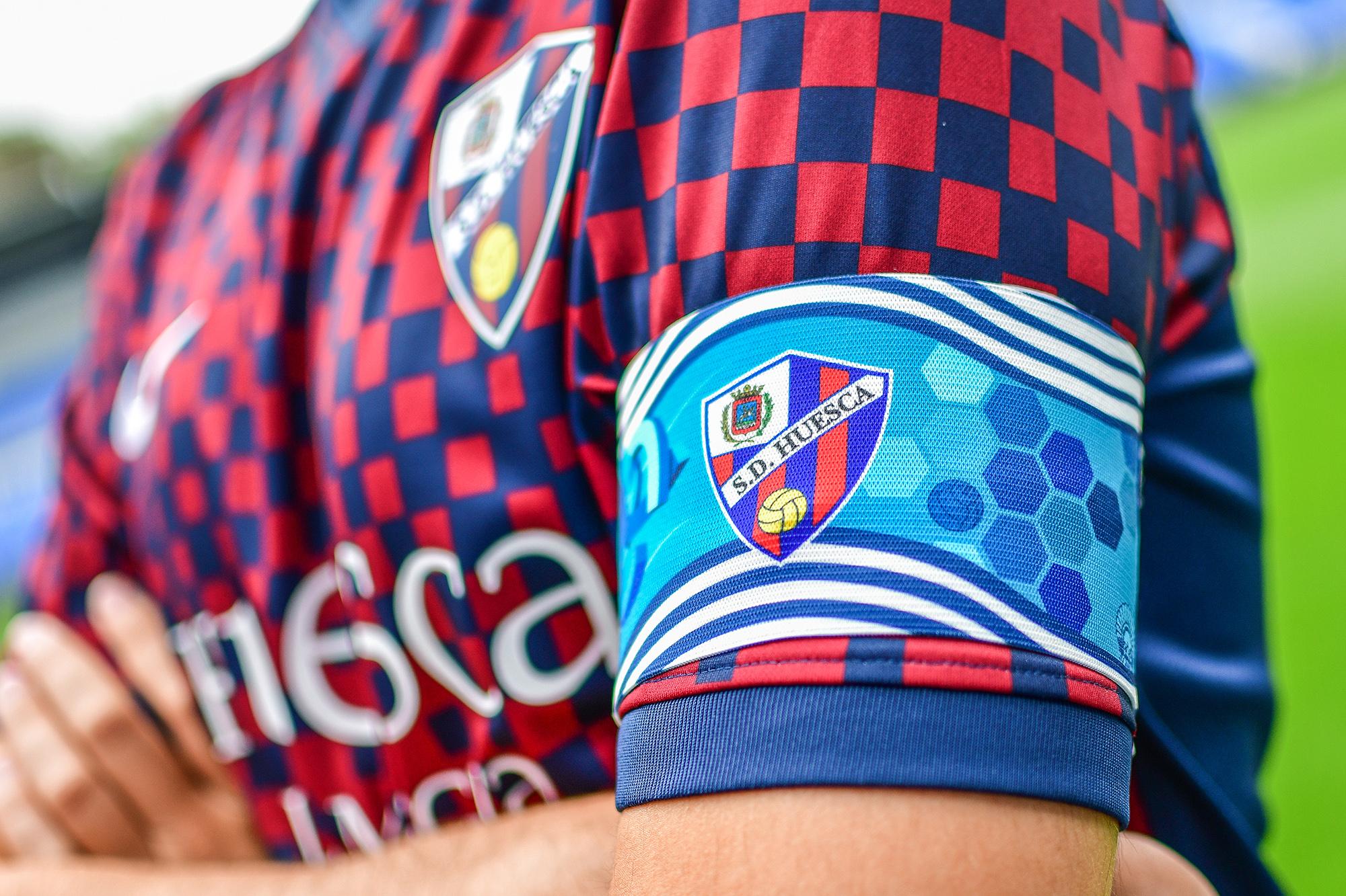 Brazalete SD Huesca vs Real Sociedad B